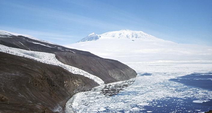 بركان إيريبس