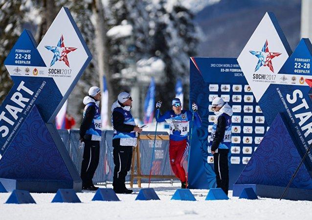 متنافس في بطولة العالم العسكرية في سوتشي