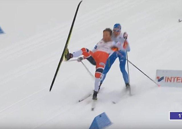 لحظة سقوط متزلج