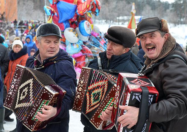 عيد ماسلينيتسا في موسكو
