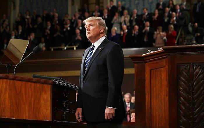 بعد انتقاد أدائه في قمته مع بوتين... ترامب يلتقي أعضاء الكونغرس