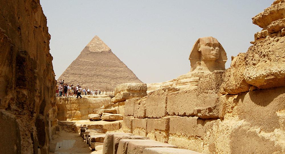 الأهرامات المصرية وأبو الهول