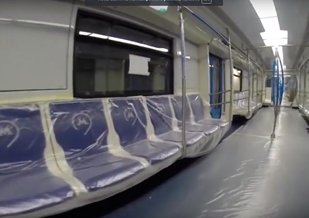 شاهد... إطلاق قطارات مترو محدثة في موسكو