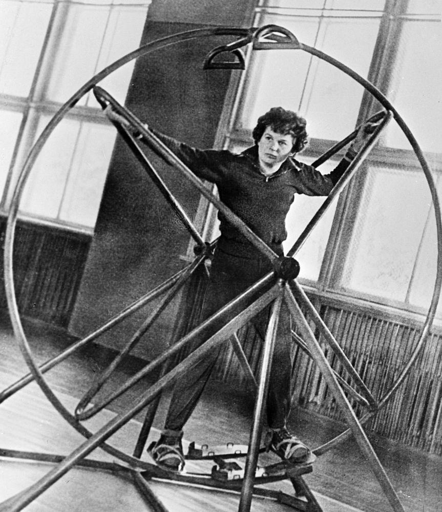 رائدة الفضاء فالنتينا تيريشكوفا خلال التدريبات