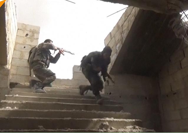 اشتباكات شرسة في الغوطة... قوات الجيش السوري تستعيد أجزاء من الغوطة الشرقية