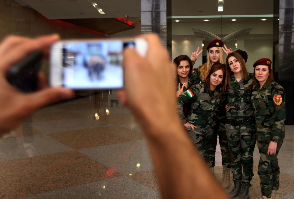 قوات البشمركة الكردية العراقية في إربيل، العراق 9 يونيو/ حزيران 2015