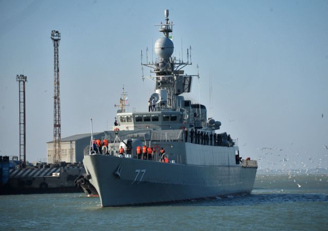 سفن البحرية الإيرانية في بحر قزوين