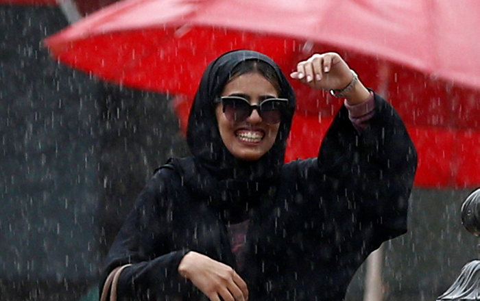 السعودية تطرح تطبيقا ذكيا للغناء مع ألمع مطربي العالم العربي
