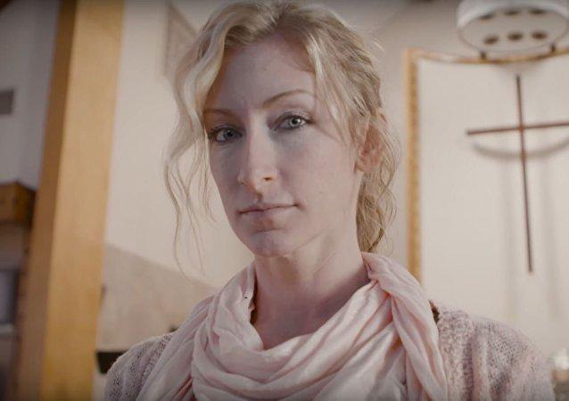 الممثلة الإباحية السابقة كريستال باسيتي