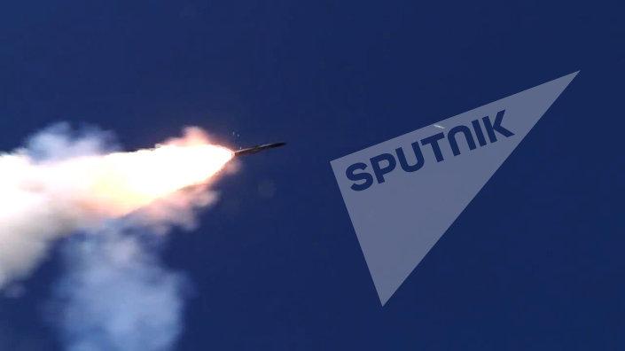 إطلاق صاروخ أونيكس