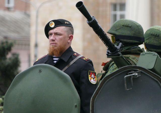 عرض عسكري في مدينة دونيتسك