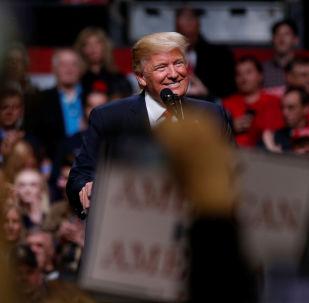 الرئيس الأمريكي دونالد ترامب خلال إلقاء كلمة في ناشفيل، تينيسي، الولايات المتحدة 15 مارس/ آذار 2017