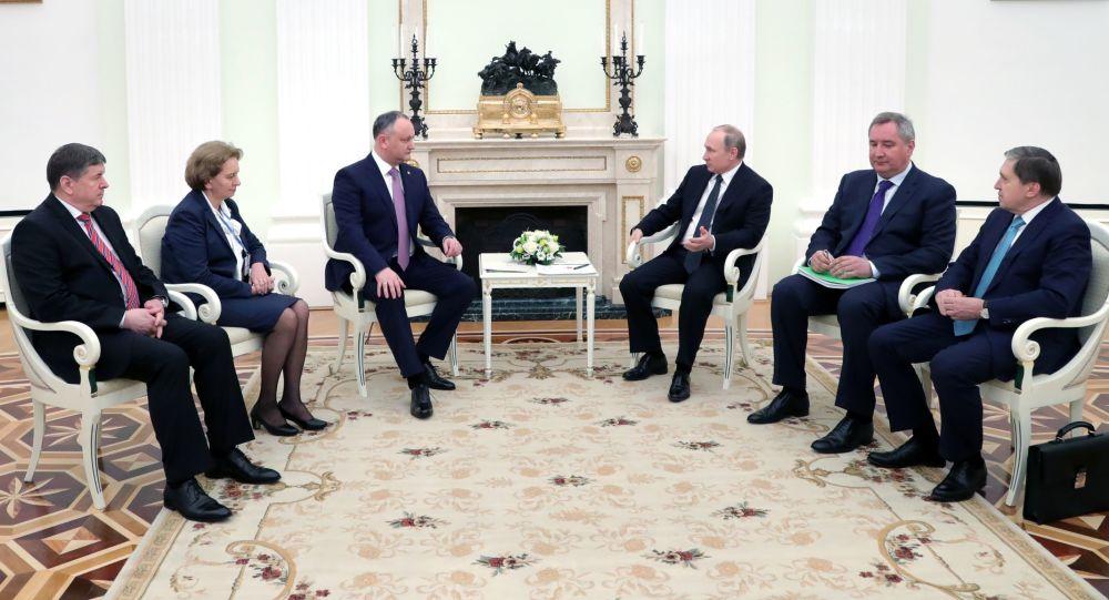 لقاء الرئيسين الروسي فلاديمير بوتين والمولدافي إيغور دودون