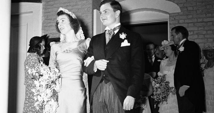 الملياردير الأمريكي دافيد روكفيلير وعروسته مارغريت ماغراث، عام 1940