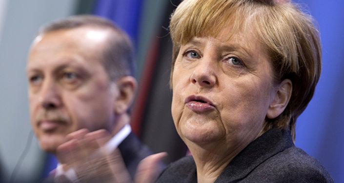رئيس تركيا رجب طيب إردوغان ومستشارة ألمانيا أنجيلا ميركل