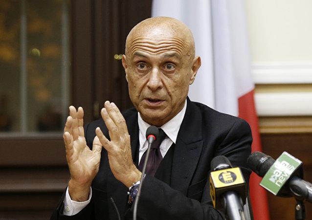 وزير الداخلية الإيطالي