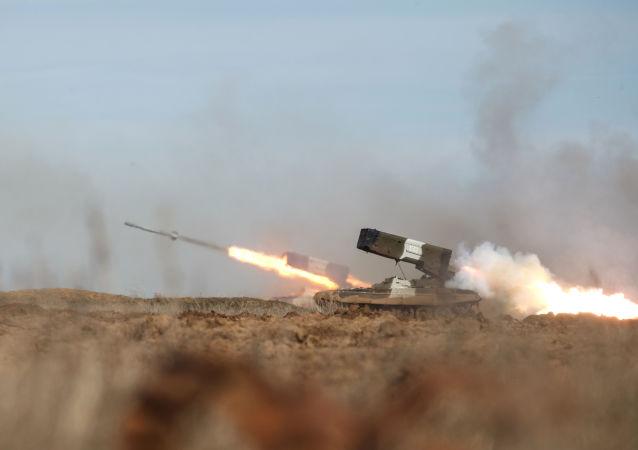 راجمة الصواريخ تي أو سي -1 أ