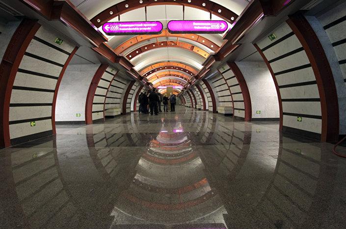 مدخل محطة مترو أوبفودنوي كانال في مدينة سان بطرسبورغ