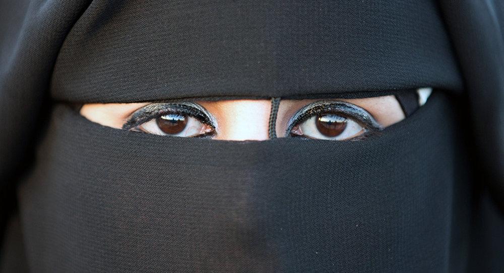 إمرأة نقاب
