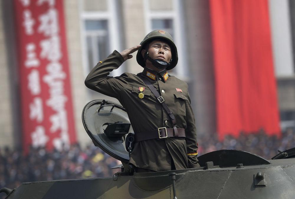 العرض العسكري بمناسبة الذكرى الـ 105 لمولد الزعيم الكوري كيم كم إل سونغ في بيونغ بيانغ ، كوريا الشمالية 15 أبريل/ نيسان 2017