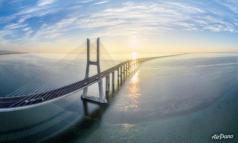 جسر فاسكو دا جاما، لشبونة، البرتغال