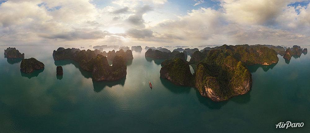خليج هالونج، فيتنام