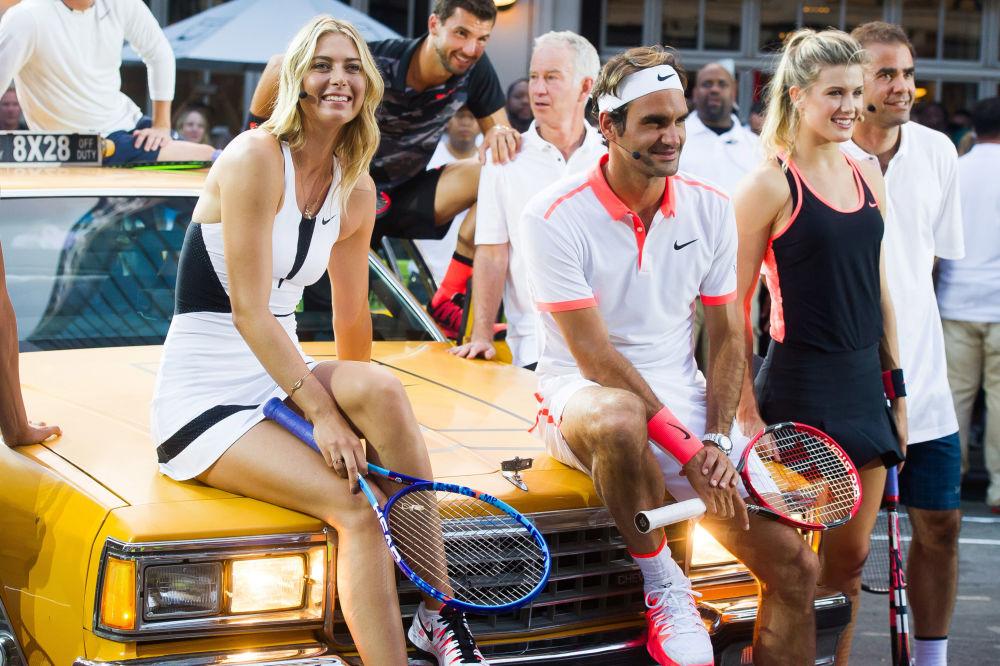 لاعبة التنس الروسية ماريا شارابوفا ولاعب التنس روجر فيدرير في نيويورك، 24 أغسطس/ آب 2015