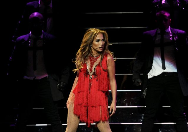 المغنية والممثلة الأمريكية جينيفر لوبيز