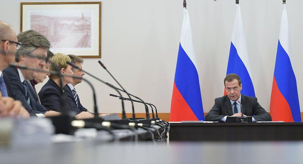 رئيس الوزراء الروسي دميتري مدفيديف في مورمانسك