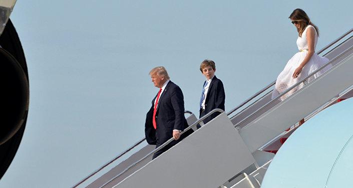 ترامب وميلانيا