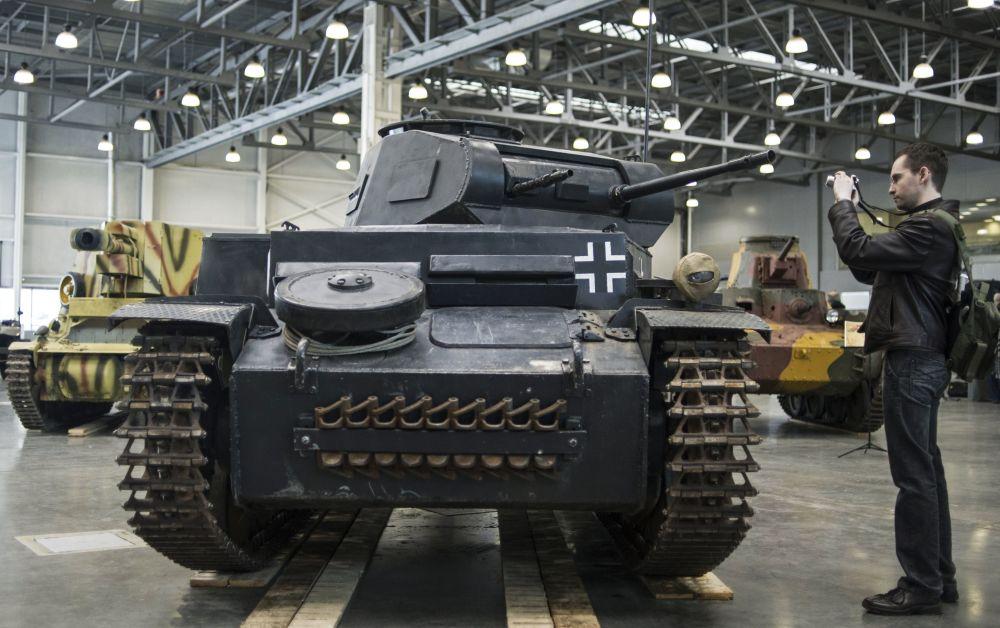 دبابة ألمانية بانزيركامبفواغين 2 (Panzerkampfwagen II)