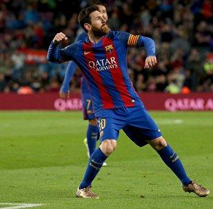 ميسي في مباراة برشلونة وأوساسونا
