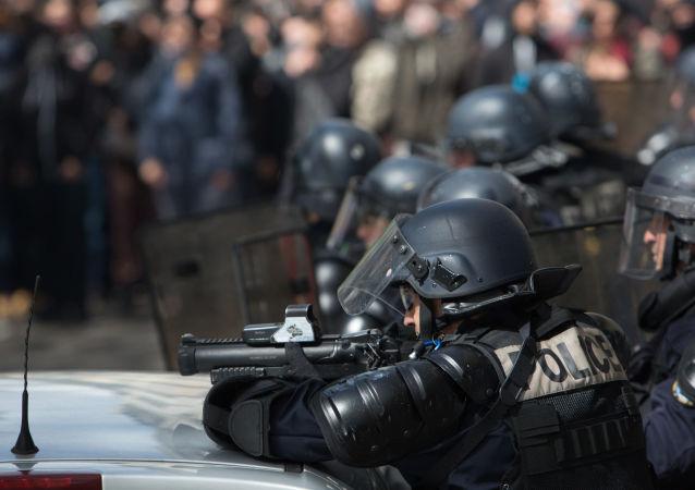 مظاهرات باريس - اشتباكات بين المتظاهرين والشرطة الفرنسية في باريس
