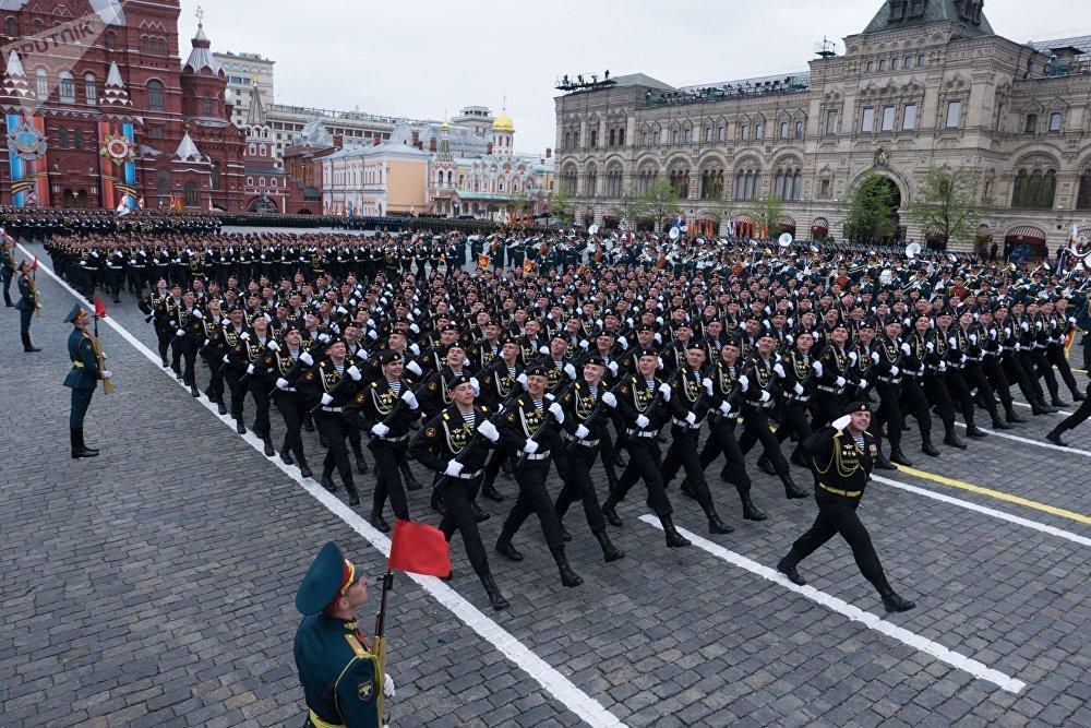 العرض العسكري في الساحة الحمراء في موسكو بمناسبة الذكرى الـ72 للحرب على النازية