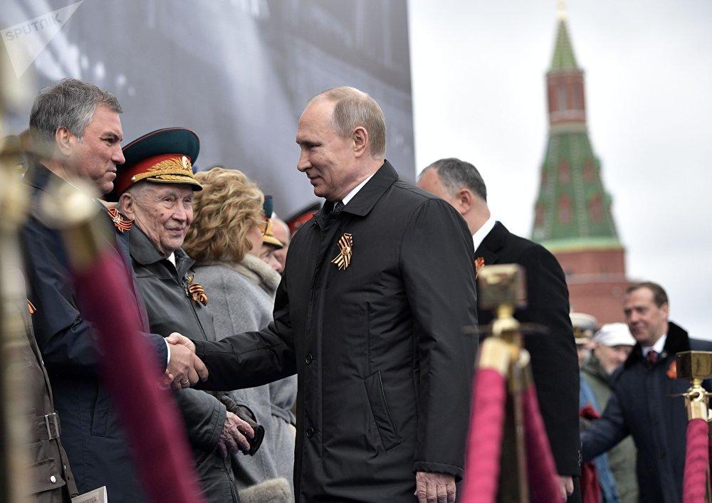 الرئيس الروسي فلاديمير بوتين أثناء الاحتفال