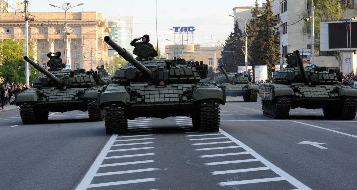 استعدادات العرض العسكري في دونيتسك