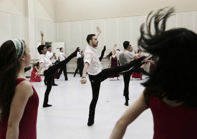 رقص الباليه في مصر - التدريبات في دار الأوبرا بالقاهرة