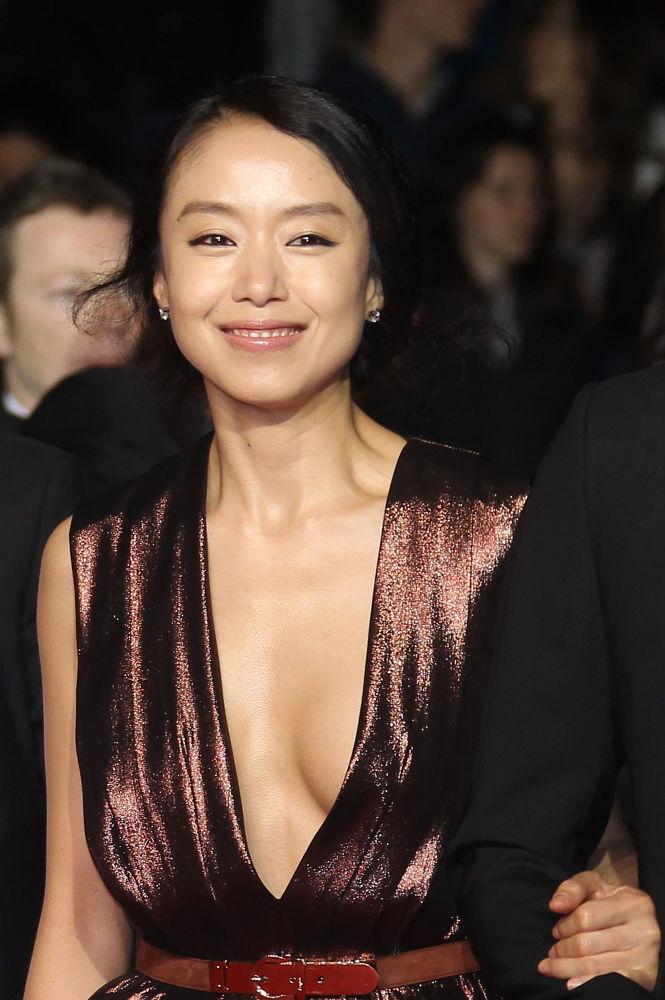 الممثلة شون دو إن من كوريا الجنوبية في مهرجان كان السينمائي