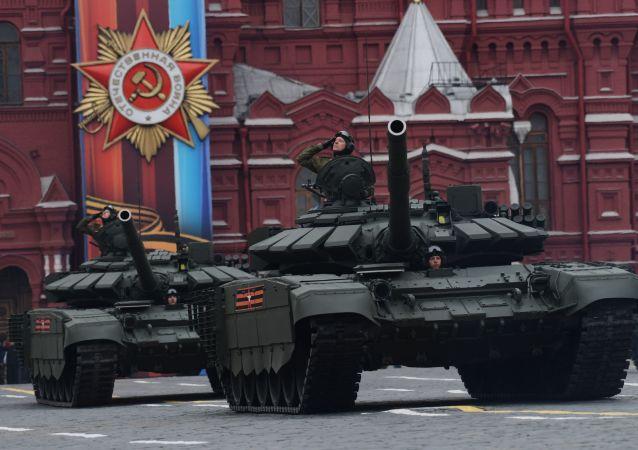 العرض العسكري في مسكو احتفالا بذكرى نصر الحرب الوطنية الكبرى