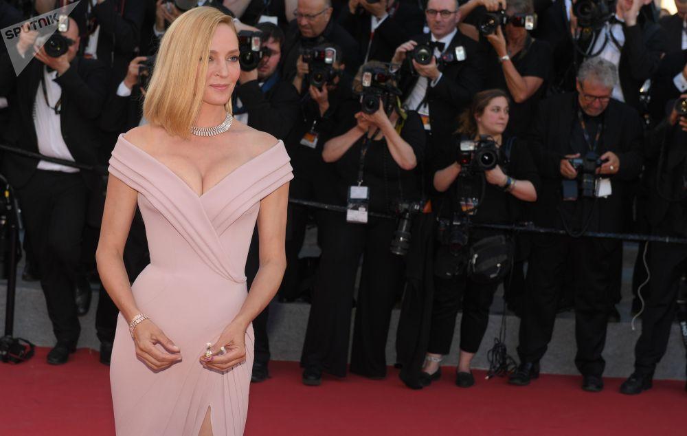 الممثلة إيمّا تورمان خلال مراسم افتتاح الحفل الـ 70 لمهرجان كان السينمائي، فرنسا 17 مايو/ آيار 2017