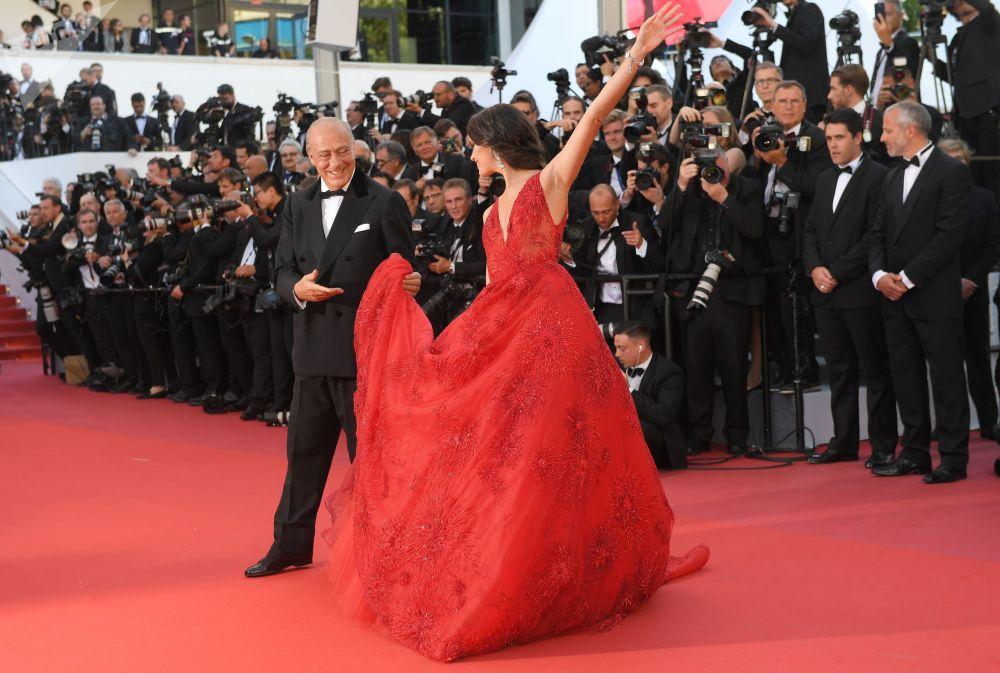 فافاز غروزي، مدير محل للجواهر دي غريوغونو (De Grisogono) خلال مراسم افتتاح الحفل الـ 70 لمهرجان كان السينمائي، فرنسا 17 مايو/ آيار 2017