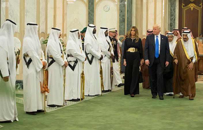 مراسم استقبال ترامب وزوجته في قصر اليمامة