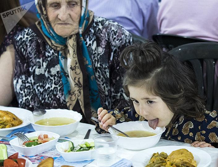 المسلمون في القرم خلال الإفطار