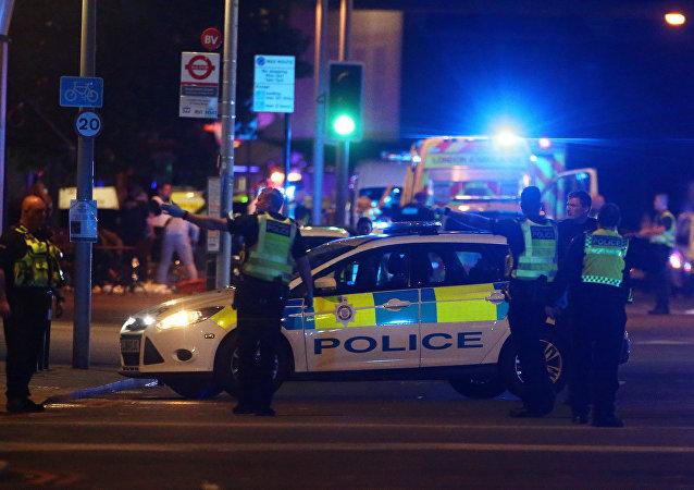 الشرطة البريطانية في موقع الهجوم في لندن