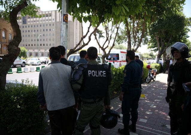 إطلاق نار داخل مبنى البرلمان الإيراني وسط العاصمة طهران، إيران