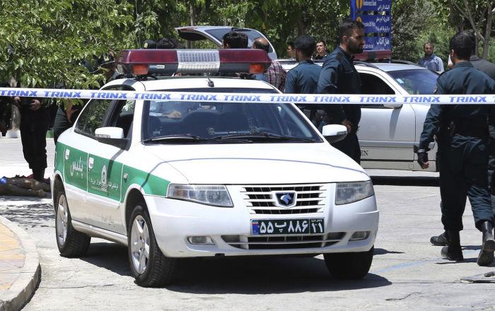 إصابة مسؤول أمني إيراني بالرصاص واعتقال المهاجم