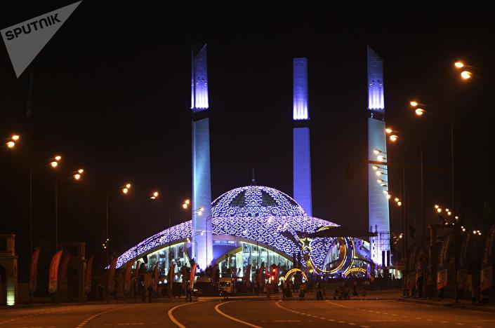 مسجد أيماني قاديروفا في مدينة أرغون