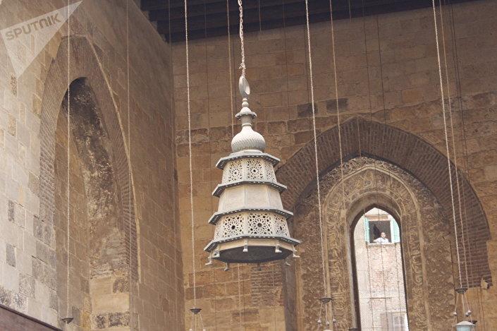 مجمع السلطان قلاوون بشارع المعز لدين الله