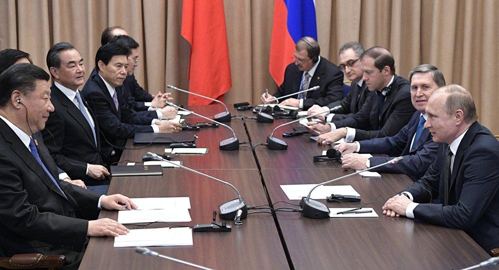 مباحثات الرئيس الروسي ونظيره الصيني في كازاخستان