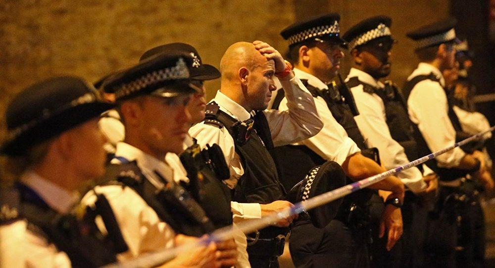 الشرطة البريطانية في موقع الحدث